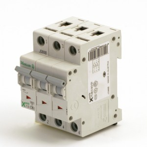 009B. Circuit breaker pLS6-C16 / 3