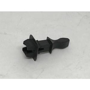 131. Plug plastic snappers (male)