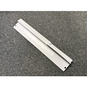 Plastic 230. Lower endplate