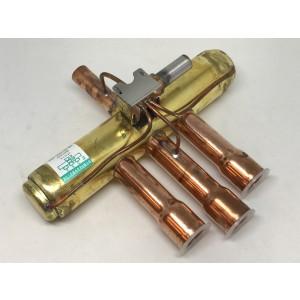 4-way valve CUB34DBE8